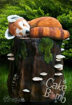 Oh so cute!  Fox cake
