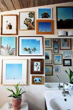 Palm tree gallery wall by @eliseblaha