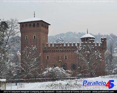 """Torino, il """"Castello Mediovale"""", che fu costruito all'interno del Parco del Valentino come padiglione dell'Esposizione internazionale che si svolse a Torino nel 1884."""