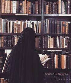 Images and videos of niqab Arab Girls Hijab, Girl Hijab, Muslim Girls, Hijabi Girl, Hijab Niqab, Muslim Hijab, Anime Muslim, Niqab Fashion, Muslim Fashion
