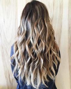 Thick Bob Haircut, Choppy Bob Haircuts, Long Wavy Haircuts, Modern Haircuts, Large Curls, Long Face Hairstyles, Highlighted Hairstyles, Wedding Hairstyles, Hairstyles 2016