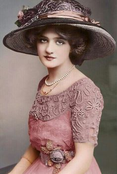 Lily Elsie, Edwardian singer and actress.