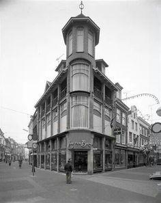 Herinner je Utrecht: hoek Bakkerstraat/Elisabethstraat/Steenweg, 1974