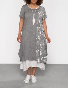 Robe en lin mixte 2 en 1 avec chaîne by zedd plus. Shop now