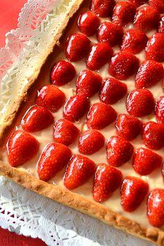 tartaleta-de-frutas-y-crema-thermomix Italian Desserts, Vegan Desserts, Dessert Recipes, Queen Cakes, Strawberry Desserts, Bakery Recipes, International Recipes, Food Truck, Hot Dog Buns