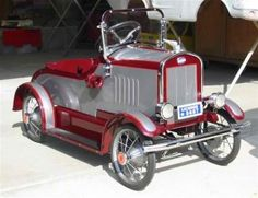 *PEDAL CAR ~ Vintage, large head-lights, seemingly over-size tires, running boards, fluted fenders, Chrome appointments usually included windshield grille bumpers + hub. c. 1919-1930,