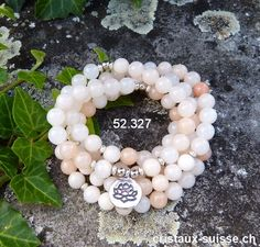Bracelet - style Mala - Aventurine rose-beige 108 perles,  LOTUS Fashion Bracelets, Lotus, Pearl Necklace, Rose, Jewelry, Crystals, Pendant, Ear, Locs