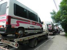 Nesta quinta feira, a Secretaria Municipal de Transportes realizou operação de fiscalização e apreendeu vans na Avenida Ayrton Senna