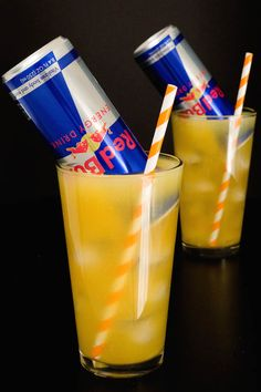 This Red Bull Cocktail with orange juice and orange vodka is essentially an energizing screwdriver. It's the perfect brunch drink! Alcoholic Drinks To Make, Vodka Drinks, Mix Drinks, Vodka Red, Orange Juice And Vodka, Vodka Recipes, Alcohol Drink Recipes, Beer Recipes, Cocktail Recipes