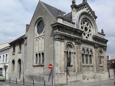 Synagogue in France Jewish Synagogue, Jewish Temple, Synagogue Architecture, Art And Architecture, Throughout The World, Around The Worlds, Jewish History, Beautiful Places In The World, Place Of Worship