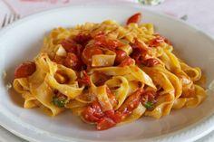 Fresh tagliatelle with pomodori scoppiati at Le Comari di Farfa, Castelnuovo di Farfa, Rieti. Credit: Copyright 2016 Nathan Hoyt/Forktales