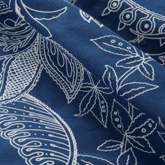 Komplet pościeli bawełnianej granatowo białej 200x220 Jardin → Sklep z pościelą E-Ekomax Spy, Artwork, Pattern, Gardens, Work Of Art, Auguste Rodin Artwork, Patterns, Artworks, Model
