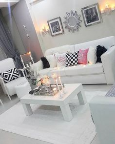 Discover recipes, home ideas, style inspiration and other ideas to try. My Living Room, Home And Living, Living Room Decor, Apartment Design, Apartment Living, Modern Home Interior Design, My New Room, Bedroom Sets, House Rooms
