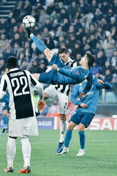 woahhhh!!! WHAT A GOAL BY THE G.O.A.T.!⚽
