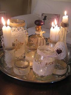 Momentos Vintage: Botes de cristal reciclados con stencils y más cos... Glass Jars, Mason Jars, Glass Domes, Quinceanera Decorations, Ideas Para Fiestas, Vases, Vintage Shabby Chic, Candle Making, Decor Crafts
