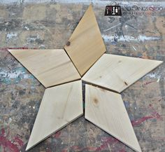 Patchwork Stars - Easy DIY from Rockwell Tools Patchwork stars (Rockwell) 4 2x4 Wood Projects, Diy Projects To Sell, Woodworking Projects Diy, Woodworking Jigs, Woodworking Machinery, Christmas Wood Crafts, Christmas Projects, Wooden Crafts, Wooden Diy