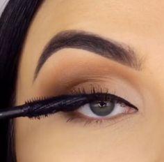 Ideias Maquiagem – makeup tutorial for beginners step by step Soft Eye Makeup, Makeup Eye Looks, Eye Makeup Steps, Hooded Eye Makeup, Make Up Tutorial Contouring, Makeup Looks Tutorial, Smokey Eye Makeup Tutorial, No Eyeliner Makeup, Skin Makeup