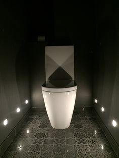 Туалет для гостей. Из реализованного проекта.