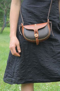 hand made leather purse. small leather bag. the wren in light