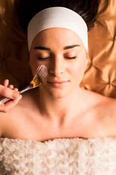 A tip from The Ritz-Carlton Spa, Los Angeles - It-s best to apply face products with brightening ingredients such as retinol and vitamin C at night. Sunlight can deactivate the ingredients and prevent products from working to their fullest potential.
