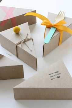 Send guests home with a leftover slice of dessert in these great Pie Boxes from Etsy