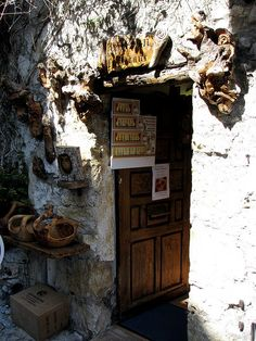 Woodcarver's shop in Eze