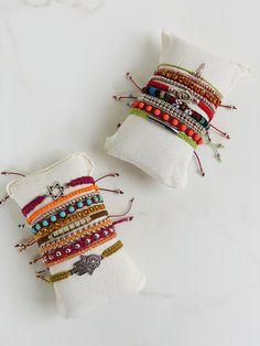 Summer Bracelets, Mix, Mandala, Bags, Accessories, Cute Bracelets, Handmade Accessories, Handmade Bracelets, Bottles