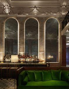 Lobby+Bar+at+The+London+Edition+Hotel.+Emerald+green+sofa. (589×757)
