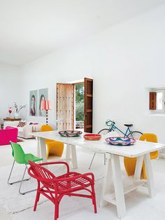 This colorful house on Ibiza was originally a second home for holidays but the Dutch owners decided to make this their permanent home and run their business, a kidswear label, from the beautiful Spani Colorful Furniture, Colorful Decor, Turbulence Deco, Style Rustique, Ibiza Fashion, Accent Colors, Home Decor Inspiration, Decor Ideas, House Colors