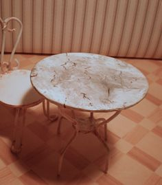 """Tutorial: table with """"marble""""- downloadable PDF file."""