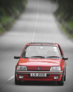 Peugeot 205 GTi Peugeot, Retro Cars, Vintage Cars, 309 Gti, Fast Times, All Cars, Sport Cars, Exotic Cars, Cars And Motorcycles