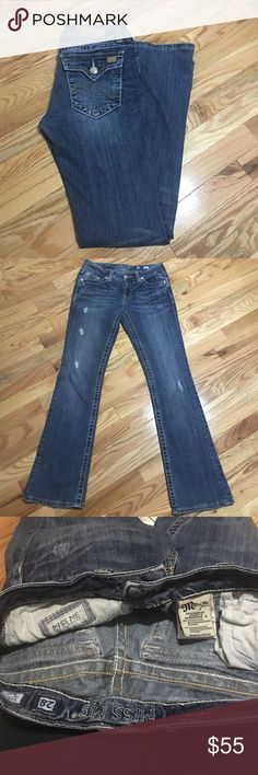 Miss Me Sunny Boot jeans factory destruction details with shredded holes, whiskering. Boot cut size 28 inseam 30. 98% cotton 2% elastinan style # JPD1005-4 color: MK 15 Miss Me Jeans Boot Cut