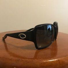 715e6ebd05a0e Shop Women s Oscar de la Renta Black size OS Sunglasses at a discounted  price at Poshmark. Description  Black with crystal