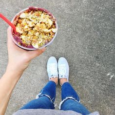 Big Island Açaí Bowl with organic peanut butter makes us weak at the knees  ==========  @soshelbie