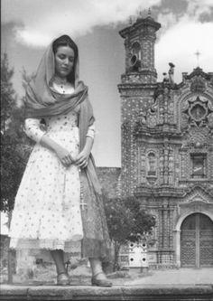 maria felix vestidos mexicanos - Buscar con Google