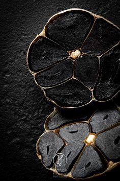 Ail noir de Aomori – Black Aomori garlic