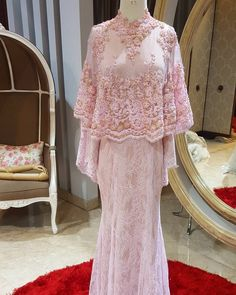 New Dress Hijab Party Haute Couture Ideas Hijab Gown, Kebaya Hijab, Hijab Dress Party, Kebaya Lace, Kebaya Dress, Muslim Dress, Muslim Wedding Dresses, Bridesmaid Dresses, Malay Wedding Dress