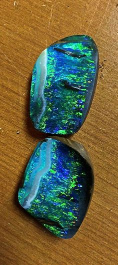 Boulder Opal split | #Geology #GeologyPage #Opal #Mineral Photo Copyright © Bill Kasso Geology Page www.geologypage.com