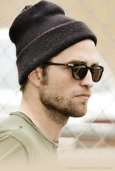 Robert Pattinson in L. Guys In Beanies, Pretty People, Beautiful People, Vampire Twilight, Robert Douglas, Great Pic, Dream Guy, Most Beautiful Man, Robert Pattinson