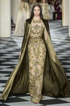 Zuhair Murad autumn/winter 2019 couture collection - Zuhair Murad autumn/winter 2019 couture collection – HarpersBAZAARUK Best Picture For fashion ba - Stunning Dresses, Beautiful Gowns, Elegant Dresses, Nice Dresses, Club Dresses, Teen Dresses, Club Outfits, Fashion 2018, Runway Fashion