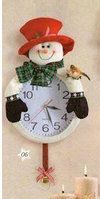 Eu Amo Artesanato: Relógio de boneco de neve com molde Christmas Poinsettia, Christmas Fun, Christmas Decorations, Christmas Ornaments, Holiday Decor, Felt Flowers, Christmas Projects, Snowman, Projects To Try