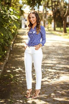 Lalá noleto looks fashion, casual work outfits y fashion out Work Casual, Casual Chic, Casual Looks, Business Casual Outfits, Office Outfits, Work Fashion, Fashion Looks, Fashion Outfits, White Jeans Outfit