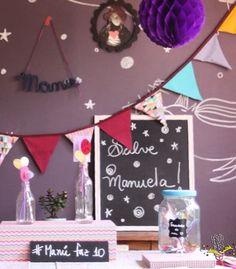 #ManuFaz10 e em seu Box nossa designer fez um pote de vidro pra com todos os achados do coração da nossa teen linda!  Um pouquinho de tudo que ela nos falou que gosta está confeccionado aí dentro. Tudo feito com muita bossa criatividade e claro amor!  . . E você já escolheu seu ???Como todos os itens da Festejo são personalizados de acordo com o tema escolhido pedimos um prazo de 30 dias para os pedidos afinal #NaFestejoCadaFestaÉÚnica!  Saiba mais em nosso site! . . #FestejoInBox…