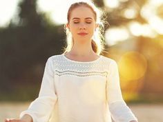 As we all know, yoga works wonders on our bodies. You'll be surprised to know that it can change your hair from drab to gorgeous. Have a look at these poses Yoga Works, Yoga Hair, Hair Hacks, Hair Tips, Poses, Hair Styles, Shake, Fitness, Fashion