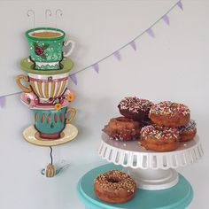 Spent time capturing a few of our new designs yesterday. I was under immense pressure to work quickly so everyone could eat the donuts! @sselby7 20/300 #300daysofcreating #allendesigns #spotoftea #teacupclock #Padgram