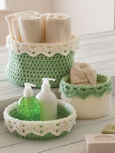 These baskets can be used to create handy storage units, decorations or thoughtful gifts. The 14 different shaped baskets are made using Dk-, medium- (holding 2 strands together) and Super Bulky-weigh