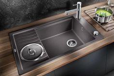 New kitchen sink modern grey 35 ideas Grey Kitchen Sink, Modern Grey Kitchen, Modern Kitchen Sinks, Kitchen Wall Tiles, New Kitchen, Kitchen Tips, Kitchen Ideas, Composite Kitchen Sinks, Granite Composite Sinks