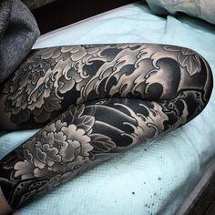 i like horimono. - @nami_chang #tattoo #タトゥー #japanesetattoo #peony...