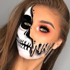 Fun Make-up # maquillaje - schminken Maquillage Halloween Clown, Visage Halloween, Halloween Makeup Clown, Amazing Halloween Makeup, Halloween Eyes, Halloween Makeup Looks, Easy Halloween, Halloween Costumes, Awesome Makeup