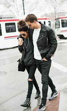 Couple Street Style & More Details Fashion Couple, Look Fashion, Winter Fashion, Fashion Beauty, Womens Fashion, Matching Couples, Cute Couples, Swag Couples, Paar Style